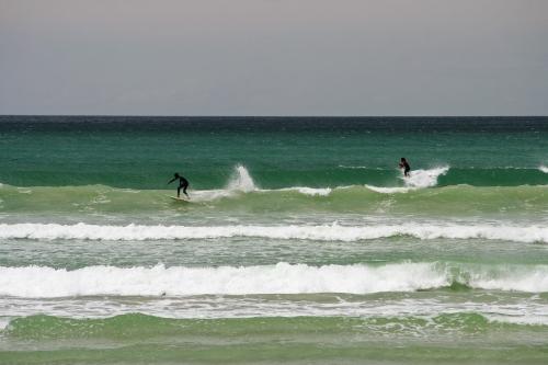 Summer waves Surfers Corner