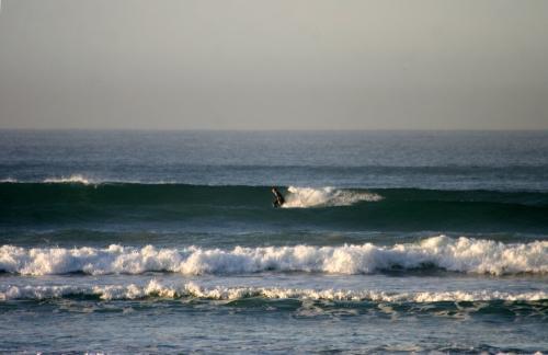 2ft drive Surfers Corner