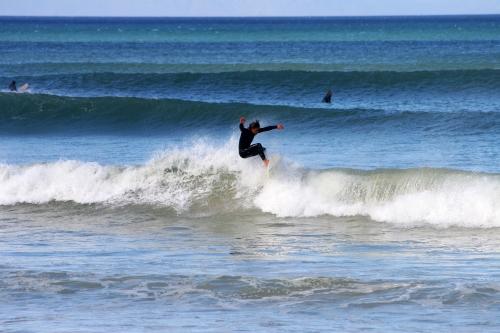 swell surfers corner