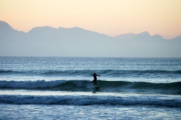 pre-dawn-surf