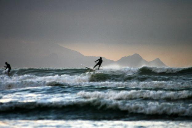 grainy-surf