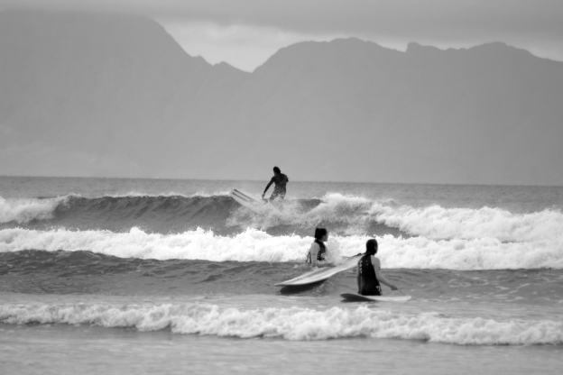 learn-to-surf-bw1