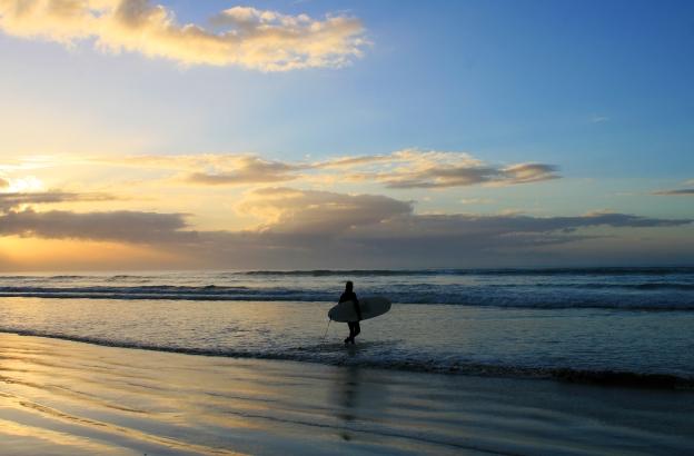 sunrise-surf-walk