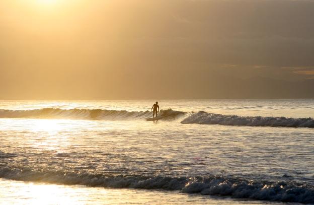 sunup-surf