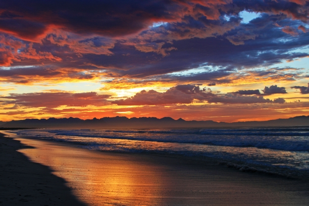 muizenberg-beach-sunrise-website
