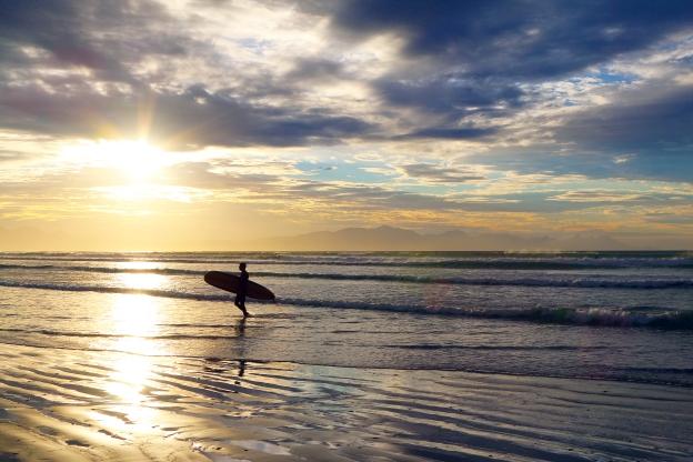 surfers-sunrise